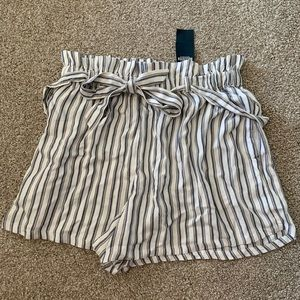 NEW WITH TAGS! Hollister striped shorts